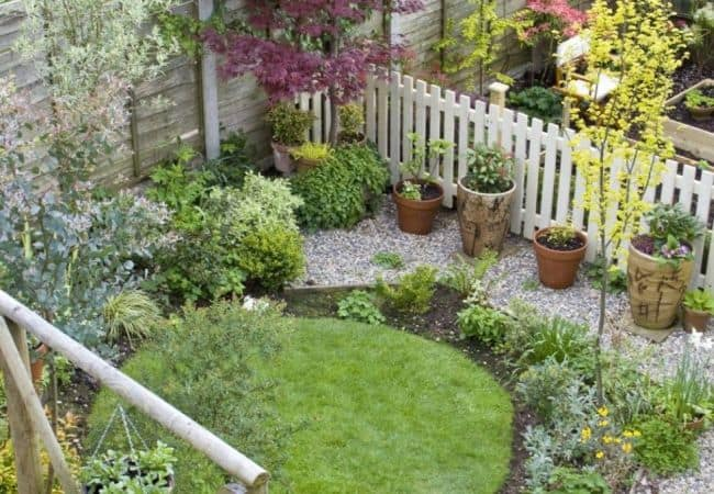 31 Incredible Small Garden Design Ideas on a Budget ... on Cost To Landscape Small Backyard id=52504