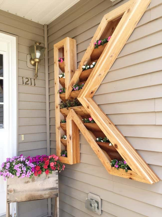 31 Stunning Diy Wooden Planters That You Will Love Gardenoid