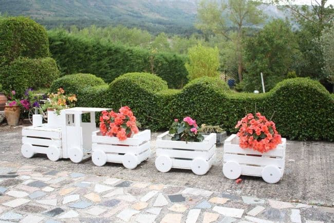 Diy White Wooden Choo Train Planter