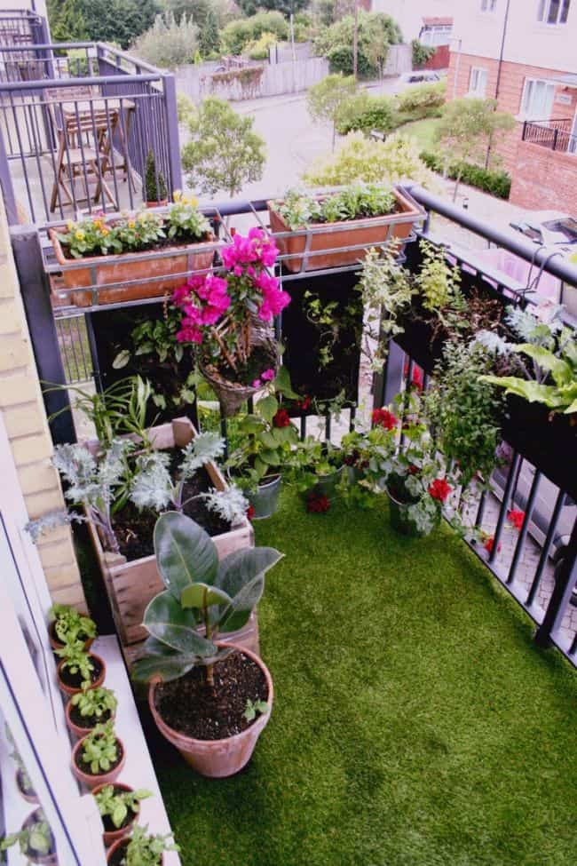 33 apartment balcony garden ideas that you will love for Small balcony garden ideas