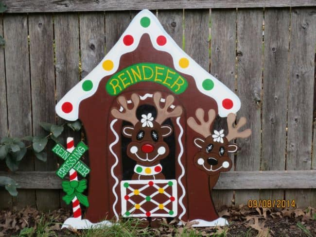 diy wood christmas gingerbread reindeer stable cheap diy outdoor christmas decorations - Outdoor Wooden Reindeer Christmas Decorations